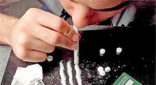 Giovani e droga, ritorna l'allarme: 17enne trovata con cocaina e benzodiazepine