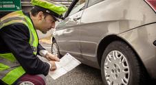 """Sicurezza stradale, Polstrada: il 15,26% delle auto controllate in """"Vacanze sicure"""" ha gomme irregolari"""
