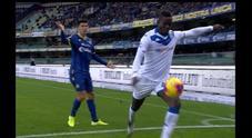 Balotelli, il capo ultrà del Verona: «Non è compiutamente italiano. I buu razzisti? Ha fatto una pagliacciata» Ascolta l'audio