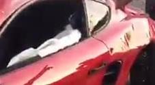 Schianto tra supercar, Ferrari contro una Porsche: danni per oltre 100mila euro