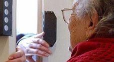 Tenta di rubarle orologi antichi:  anziana mette in fuga il ladro