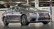 Autonomia a 360° per Toyota al CES 2018. Lexus LS 600 h con Platform 3 è il nuovo test vehicle