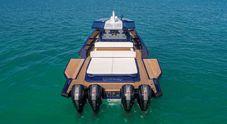 Il Wallytender ora anche in versione fuoribordo. Monta 4 motori e vola sull'acqua a 55 nodi