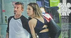 Max Biaggi innamorato All'aeroporto con la nuova fidanzata Michelle