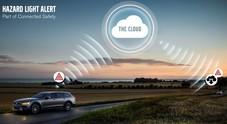 """Volvo, auto """"connesse"""" ai camion per aumentare la sicurezza"""