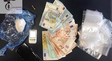 Festini a base di cocaina arrestato noto professionista della movida, sequestrati armi