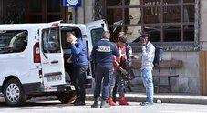 «Migranti scaricati in Italia da un furgone della gendarmerie»: il Viminale accusa la Francia. C'è un video