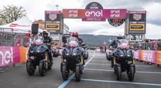La magia del Giro d'Italia in sella alla Yamaha Niken GT