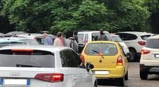 I parcheggiatori abusivi nel parking del San Bortolo