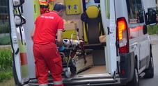 Auto tampona cisterna all'ingresso dell'autostrada: feriti 3 bambini