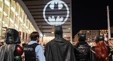 Ottant'anni di Batman: il suo segnale proiettato a Roma e in altre 12 città in tutto il mondo