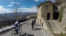La primavera sui Monti Azzurri: riscoprire i Sibillini in bicicletta