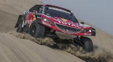 Dakar 2018, tripletta Peugeot nella 2^ tappa. Despres, Peterhansel e Loeb dominano con la 3008