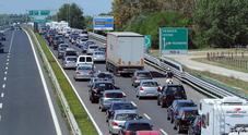 Invasione di mezzi pesanti lungo la A4 in direzione Venezia: code