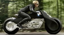 Niente casco e protezioni, ecco il futuro a due ruote secondo BMW Motorrad