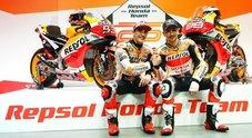 """Honda, ecco il """"dream team"""" con Marquez e Lorenzo. Marc: «Quasi pronto», Jorge: «Un onore essere qui»"""