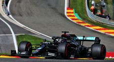 Pole da super eroe per Hamilton a Spa, con dedica a Bosman. Leclerc e Vettel in settima fila