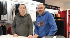 Giovanna e Fausto Boreggio, i titolari del negozio di via Umberto I