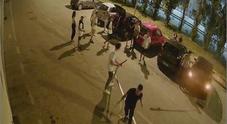 Raid notturno e danni a Cesano: vandali ripresi dalle telecamere