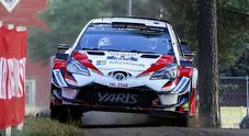 """WRC, la Toyota Yaris di Tanak sempre in testa al """"Mille laghi"""". 2° Ostberg su Citroen"""