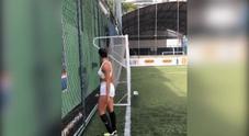 Ragazza segna goal impossibile