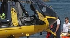 Fano, si tuffa dal pedalò ma batte la testa sul fondo: in elicottero al Salesi