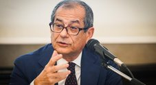 Manovra, il ministro Tria: «Ridurre  carico fiscale per la classe media»