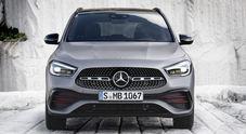 Mercedes, il palcoscenico di Ginevra per la nuova GLA. Look più muscoloso e cresciuta nelle dimensioni