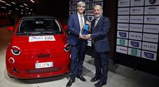 Nuova Fiat 500 elettrica eletta dall'UIGA Auto Europa 2022. Esperti premiano protagonista della nuova mobilità