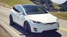 Tesla, ex dipendente rivela: «Gonfiata produzione Model X del 44%»