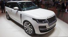 Range Rover a Ginevra si veste da coupé. Con la serie speciale SV la sportività esaltata al massimo