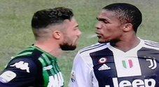 Juve, Douglas Costa paga lo sputo: quattro turni di stop, salta il Napoli