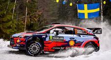 WRC, in Svezia la Hyundai di Neuville subito in testa. Ogier (Citroen C3) e l'altra i20 di Mikkelsen inseguono