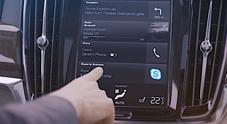 Volvo, arriva Skype per la Serie 90: ecco la app per conference call e appunti vocali