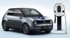 Honda e, il futuro è vintage. La citycar elettrica proposta in due varianti di potenza