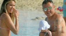 Costanza e Christian Vieri, la prima vacanza della figlia Stella a Formentera