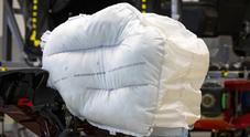 Honda lancia nuovo airbag frontale, assomiglia a guanto baseball