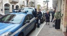 Porto Sant'Elpidio, scippano anziana messi in fuga dalla folla inferocita