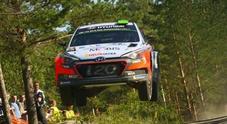 WRC, al via il 67° Rally di Finlandia: tra i mille laghi continua la sfida tra Ogier (Ford) e Neuville (Hyundai)