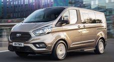 Ford Tourneo Custom, il lussuoso ufficio viaggiante ideale anche per il tempo libero