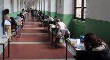 Hacker a scuola truccano voti e presenze, 54 studenti e genitori rischiano processo