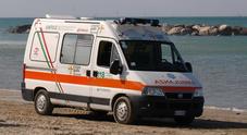 Porto Sant'Elpidio, trovato morto sulla battigia a 46 anni: forse un malore