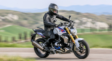BMW R1250R, la roadster è più sportiva con il nuovo Boxer. Sempre al top per comfort e versatilità