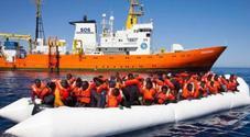 Migranti, Salvini: «Denuncerò Ong che aiutano scafisti»