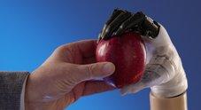 Ecco la mano artificiale made in Italy: compie al 90% i movimenti dell'arto naturale