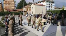 «Troppi lati oscuri nel suicidio  dell'alpina, bloccate la cremazione»