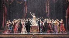 Tutti pazzi per la Super Traviata: il San Carlo riparte dai classici