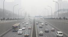 La Cina vuole lo stop alle auto a benzina e diesel