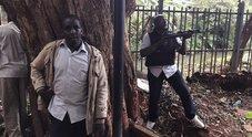 Kenya, attacco a un hotel di Nairobi: almeno tre morti, feriti e diversi ostaggi