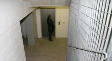 Nove restano prigionieri nell'ascensore: venti minuti di paura per il blocco